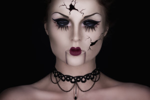 7 Wickedly Awesome Halloween Makeup Ideas