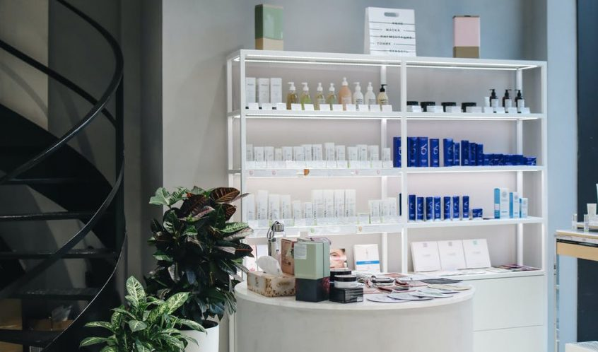 8 Skills That Will Make You a Successful Salon and Spa Owner | Health and Style Institute | Contact Health and Style at 1-844-94-STYLE for more information on our Salon and Spa Leadership Program.
